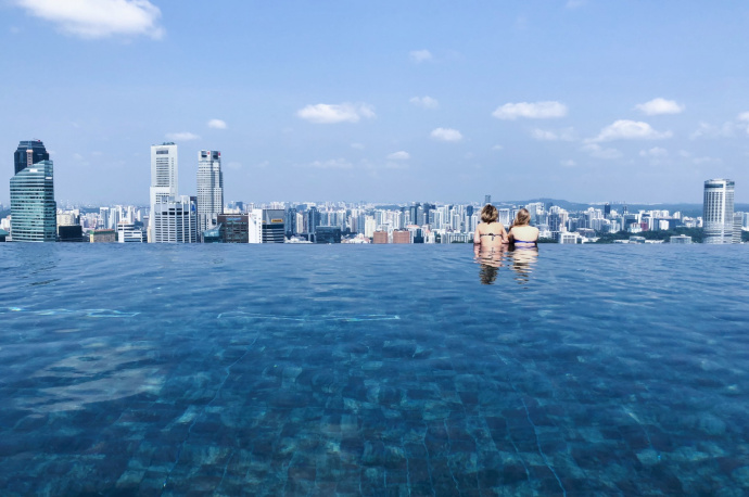 10 Luxury Hotels with Infinity Pool in the World