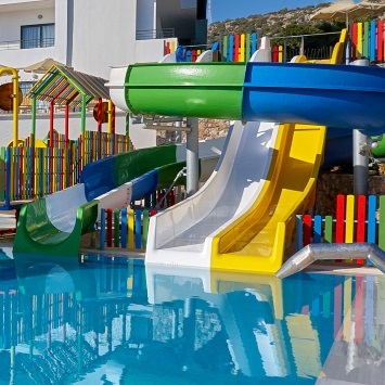 hotels-with-pool-water-slides